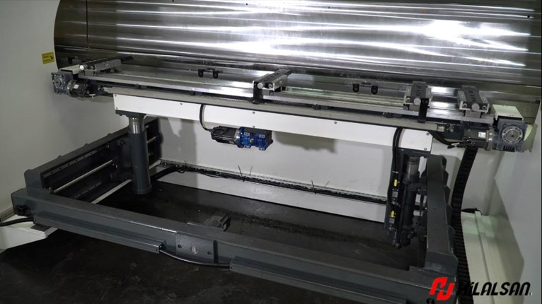 Hilalsan press brake tandem supply for stainless steel pool production